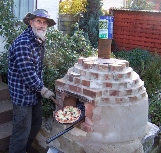 Pizza oven ecodiy diy eco house for Outdoor oven diy